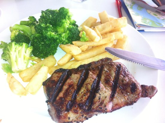 Tony Roma's Photo: steak broccoli fries