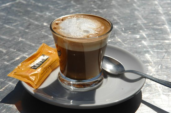 Hotel Barcelona Catedral: A cortado in the sun.