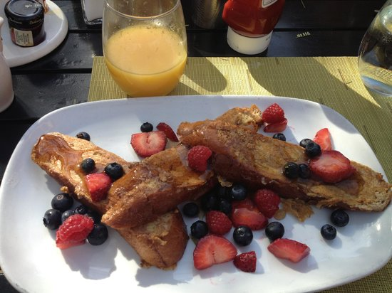 Zona Hotel & Suites Scottsdale : Killer french toast