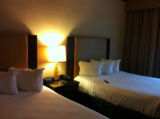 Ameristar Casino Hotel Kansas City: Two Queen Beds