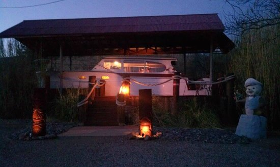 Shady Dell RV Park: 1947 Yacht