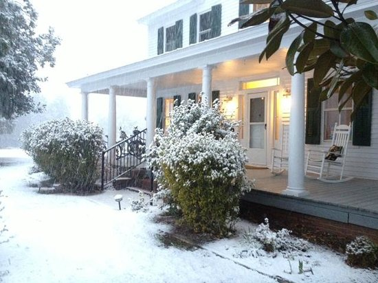Port Haywood, VA: front porch in snow