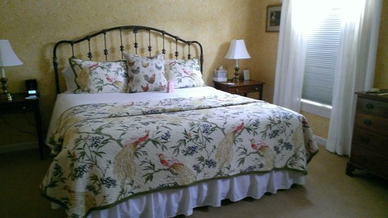Deerfield Inn: Comfy bed