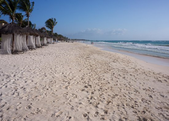 Cabanas Tulum: View down the beach from right in front