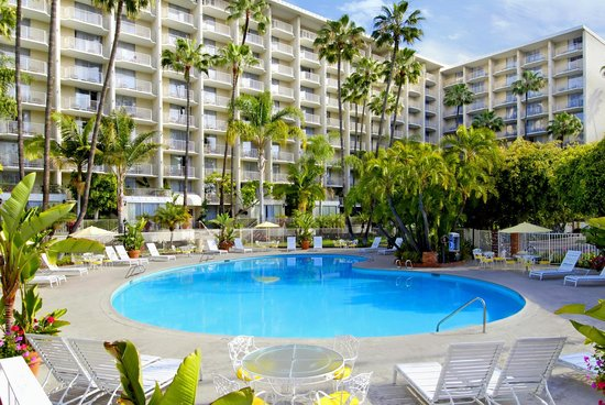 Town and Country Resort Hotel: Relax Poolside