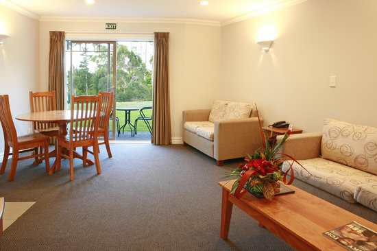 Kerikeri Park Motel: 1 bedrom executive lounge area