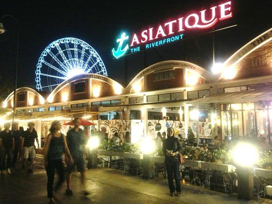 Somerset Park Suanplu: Night Shopping Bazaar at Asiatique The Riverfront