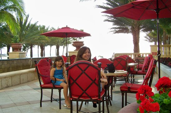 Acqualina Resort &amp; Spa on the Beach: Dining Patio