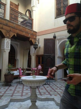 Riad Les Clefs Du Sud: Patio central