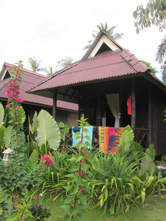Lanta Castaway Beach Resort: Garden Bungalow