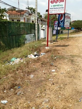 L'Imprevu Resort: It was once a charming spot, now it looks like a garbage deposit