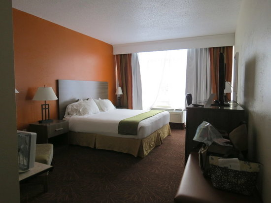 Holiday Inn Express Hotel and Suites Chattanooga-Lookout Mountain: Nice room!