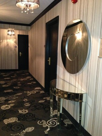 The Lord Nelson Hotel & Suites: Hallways