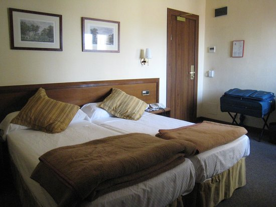 BEST WESTERN Carlos V: room