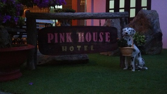 Villa Pink House: the pink house sign