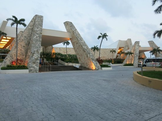 Grand Sirenis Riviera Maya Resort & Spa: Lobbies