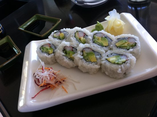 La Torretta Lake Resort & Spa: California roll at sushi bar