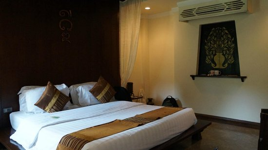 Ayatana Hamlet & Spa, Chiang Mai: nice and sapcious deluxe room