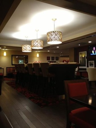 Hampton Inn Charleston - Southridge: more breakfast seating