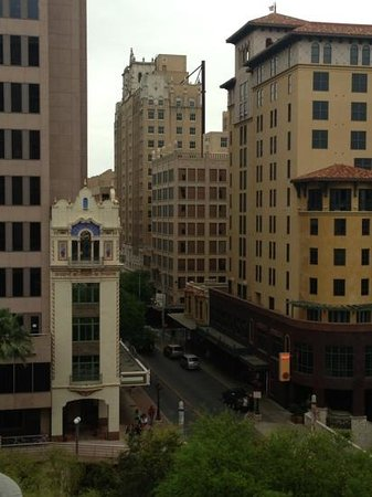 Embassy Suites Riverwalk: San Antonio City View