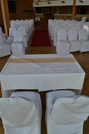 The Waterside Hotel & Galleon Leisure Club: Ceremony room set up