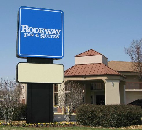 Photo of Rodeway Inn & Suites Clarksville