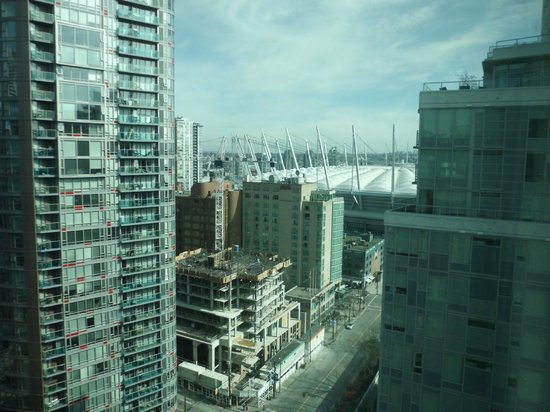 Rosedale on Robson: view overlooking downtown Vancouver
