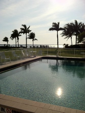 Pineland, : Pool overlooking dock and Pine Island Sound