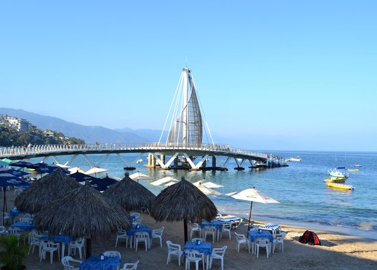 Hotel Casa Dona Susana: A view of the pier just outside the hotel restaurant