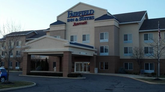 Fairfield Inn &amp; Suites Cleveland Avon: Exterior