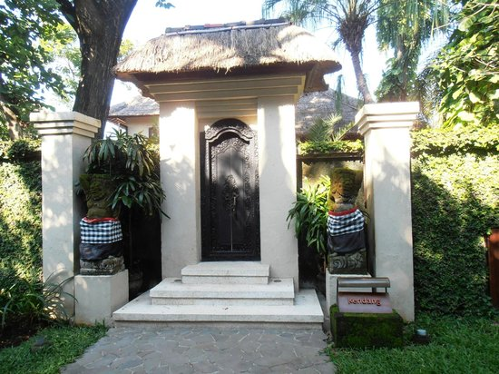 The Gangsa Private Villa by Kayumanis: Villa entrance