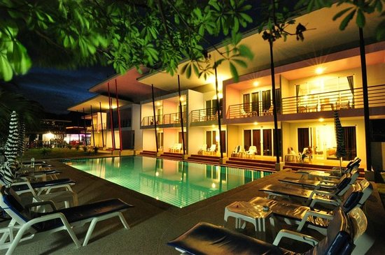 Phi Phi Anita Resort: Swimming Pool