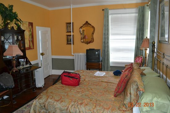 La Veranda Bed & Breakfast: Cinnabar Room