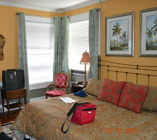 La Veranda Bed &amp; Breakfast: Cinnabar Room
