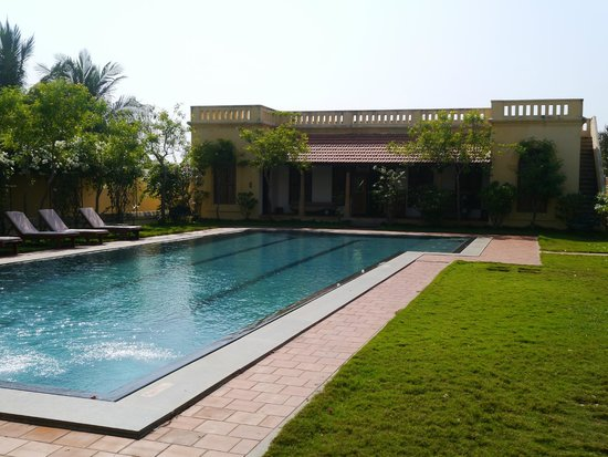 Kanadukathan, India: pool area