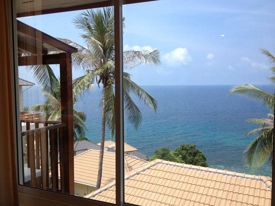 Pinnacle Koh Tao Dive Resort: view from our bungalow (no. 3523)