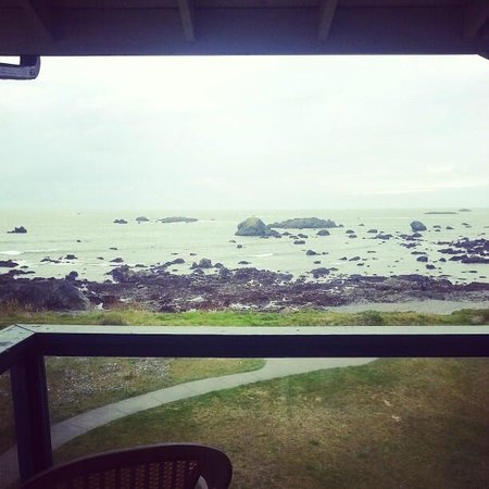 Oceanfront Lodge: View from 3rd floor