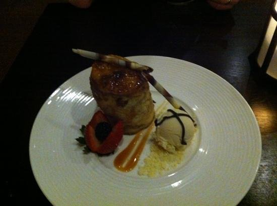 La Torretta Lake Resort & Spa: Bread pudding at Lakeside restaurant... white chocolate stick melted right before I took the pic