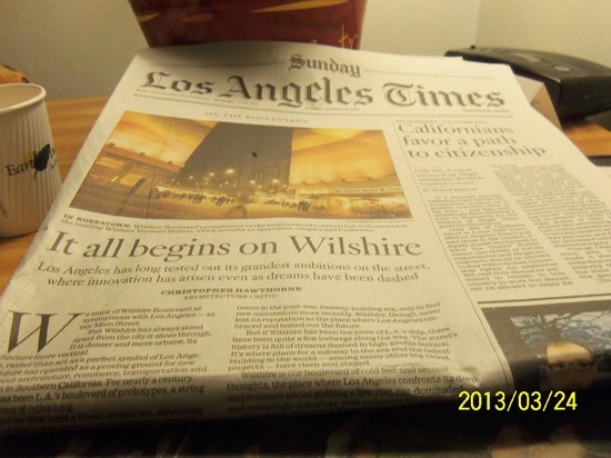 Travelodge Laguna Beach: Complimentary LA Times