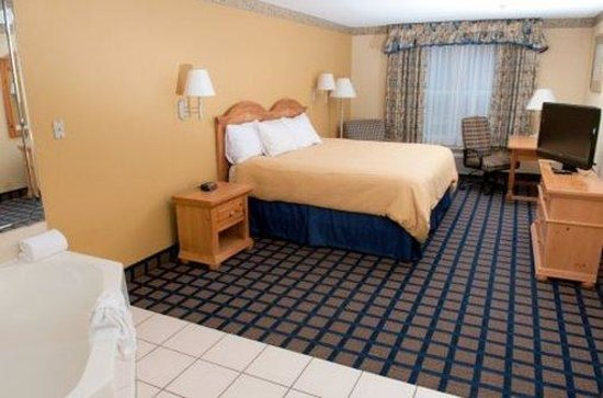 Country Inn & Suites By Carlson Lake City: Country Inn & Suites Lake City, Fl-Jacuzzi Suite