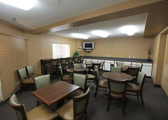 Suburban Extended Stay Hotel Dulles Sterling: Meeting Room