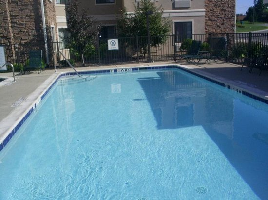 Staybridge Suites Grand Rapids/Kentwood: Pool