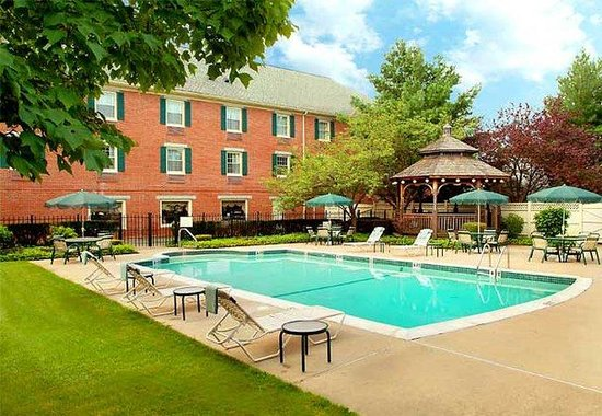 Courtyard Boston Danvers : Outdoor Pool