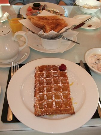 Waterloo House: Waffles were light & fluffy