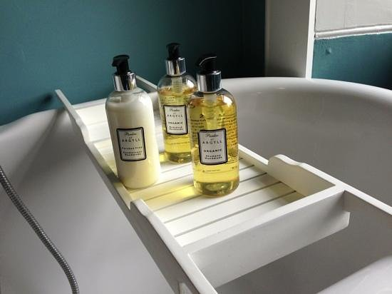 Heatherfield House: great touch with the lovely bathroom products