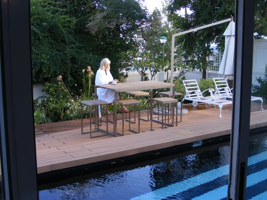Majeka House: The pool suite deck