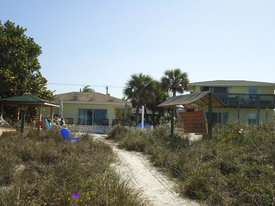Suntan Terrace Resort Motel : From the beach