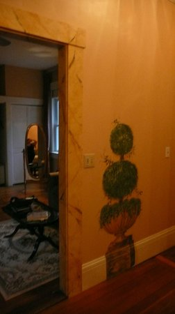 Spring Seasons Inn & Tea Room: Cute wall paintings