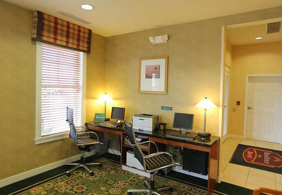 Residence Inn Loveland: Business Center