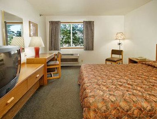 Days Inn Nisswa: Standard Queen Bed Room